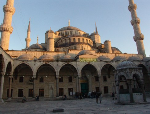 Courtyard of the Sultan Ahmet Camii (Blue Mosque) in Fatih, Istanbul, Turkey