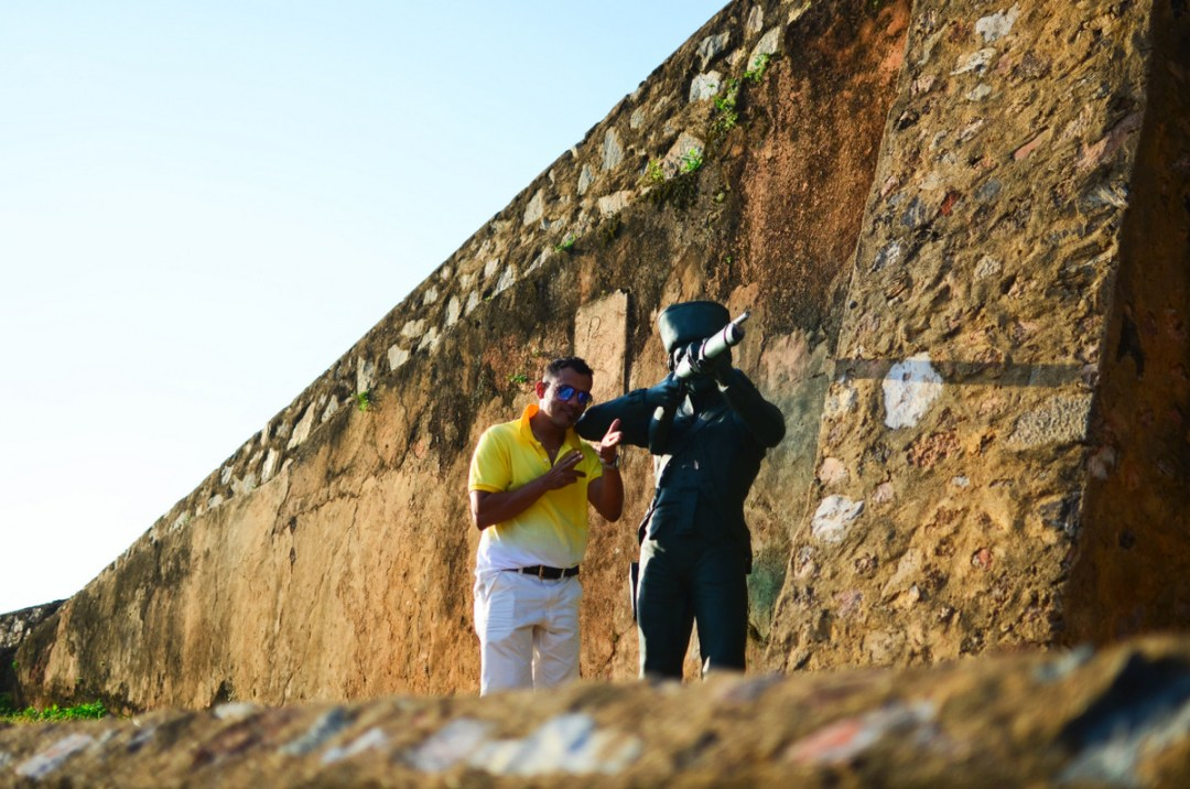 Posing with the Soldier - Galle Fort