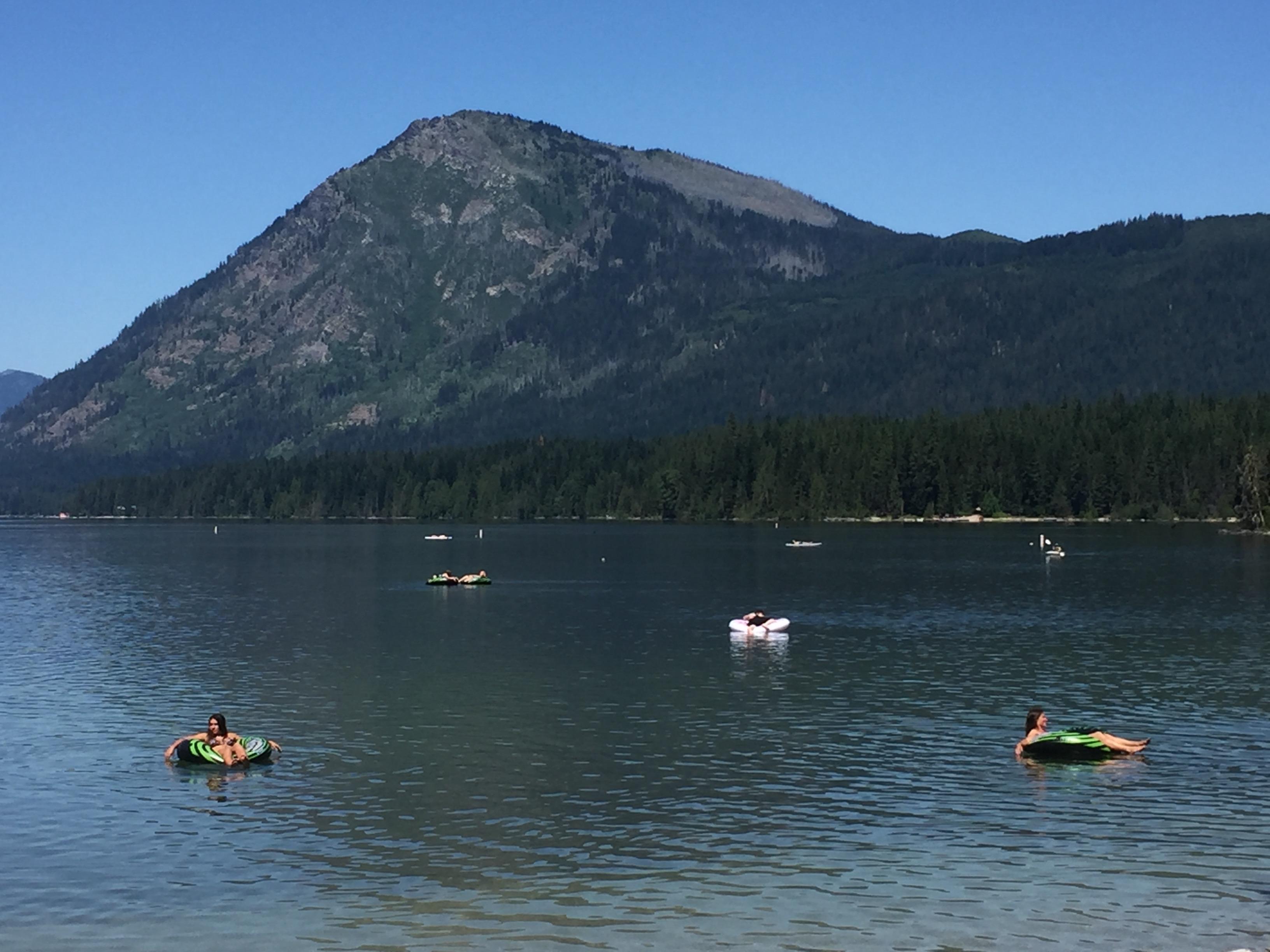 best campgrounds Washington lake wenachtee