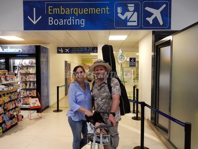 Hervé Moine et Sylvie Auvinet ont décollé lundi de Pôle Caraïbes, direction Paris puis Strasbourg, où ils récupèrent leur tandem le 1er août. - Valérie DURU