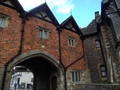 Abbey gate outer