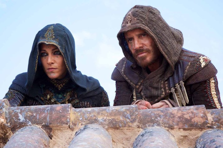 Ariane-Labed-Michael-Fassbender-Assassins-Creed