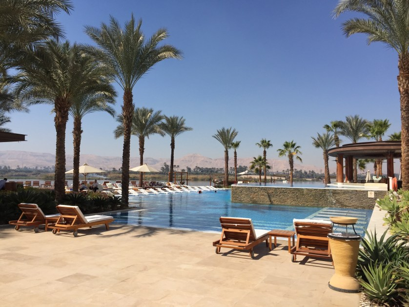Hilton Luxor Pools