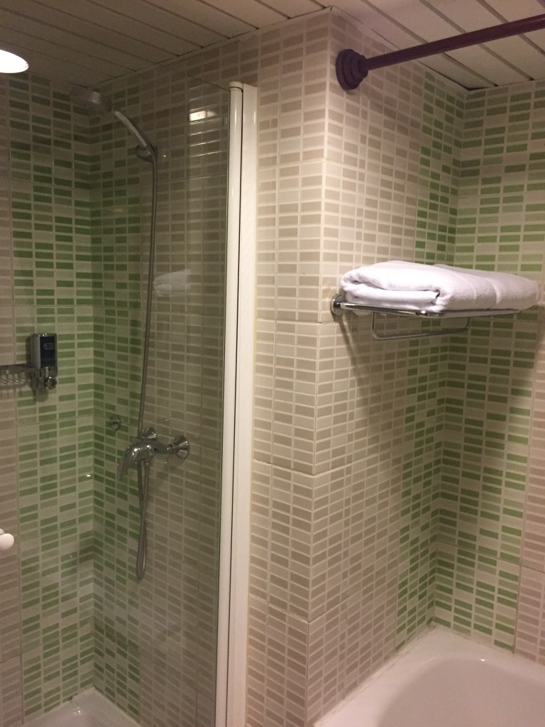 Four Points Havana Bathroom