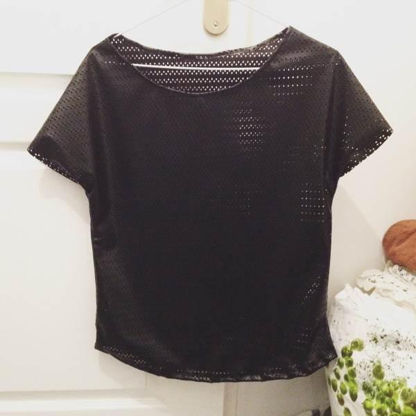 nom d'une couture top haut simili cuir trous noir rock handmade