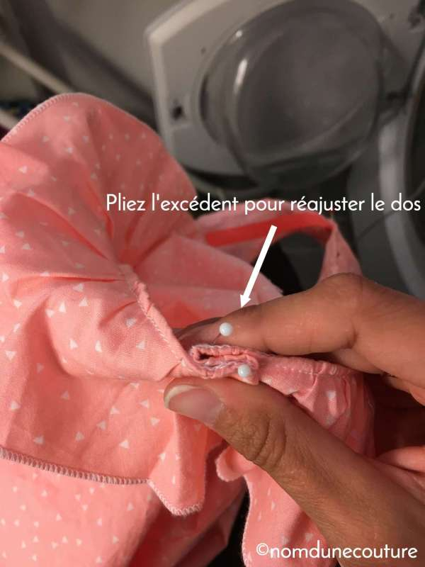 Ajuster le volant du dos du chemisier Suzon - Nom d'une couture !