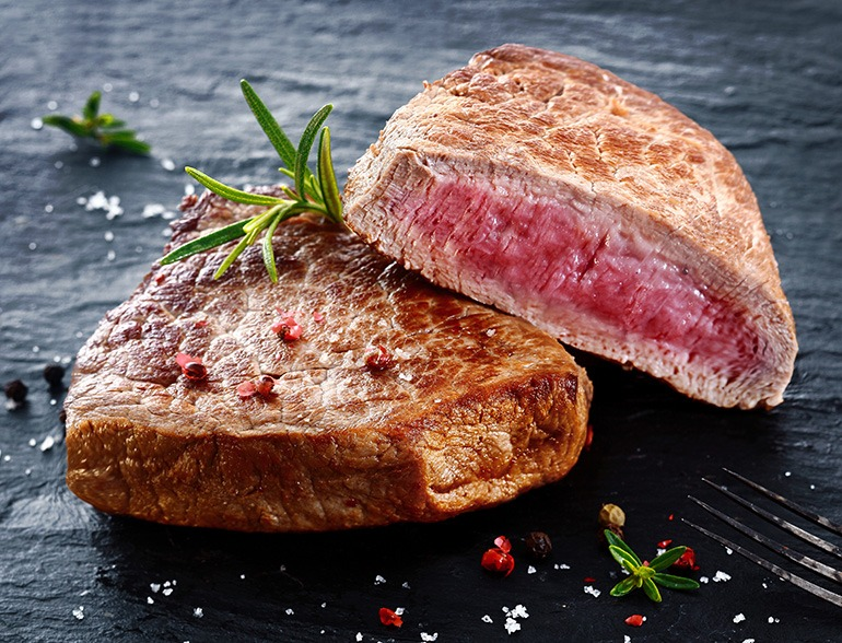How to Cook Steak Medium Rare? The Secrets You Need to Know to Get That Juicy Goodness!