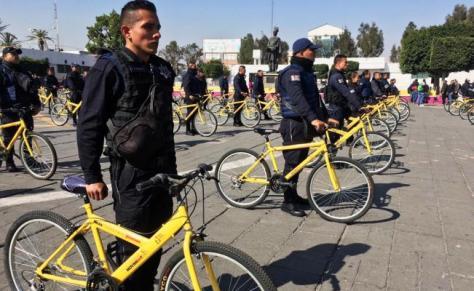 Resultado de imagen para Policías patrullarán en 'bici' ante desabasto de gasolina