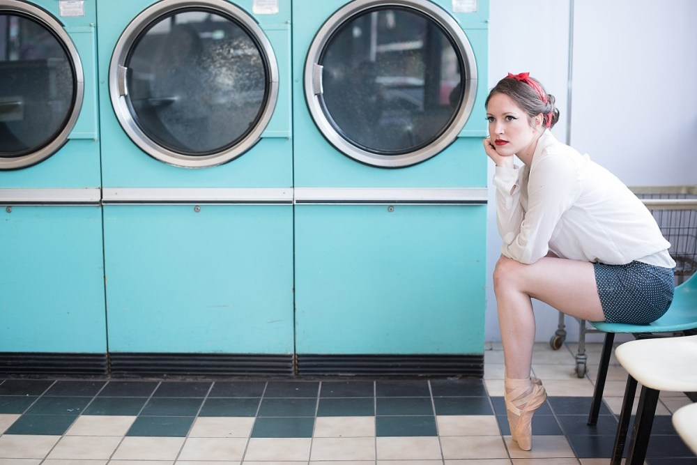 Tori Rumzis 50s inspired red lips in Chicago Laundromat on pointe ballerina