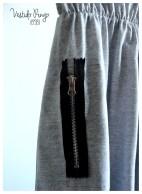 Vestido Ringo jersey gris melange. Detalle cierre a la vista