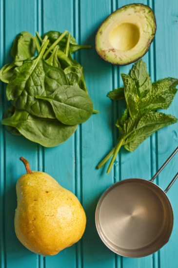 Pear-Avocado-Smoothie-Ingredients
