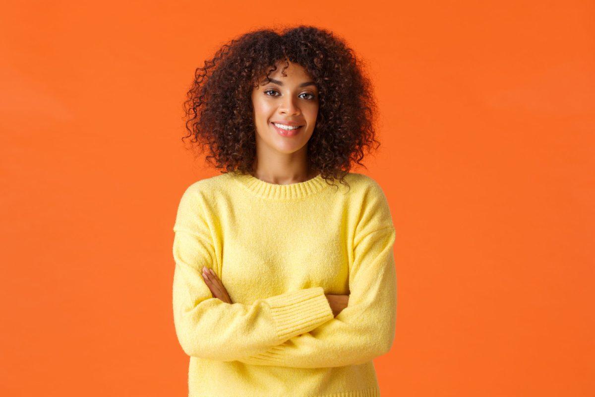 Chica joven y profesional quiere crear la web de su negocio de servicios de impresión.
