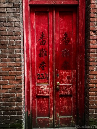 Beautiful red door in Fan Tan Alley