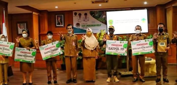 Peringatan Hari Lingkungan Hidup di PPU, Dinas Terbaik Kumpulkan Sampah Dapat Penghargaan