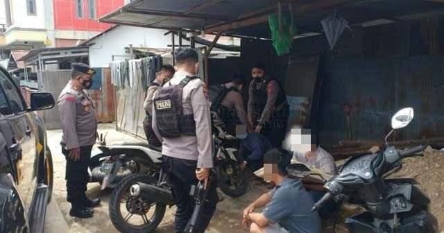 Asyik Nongkrong, 4 Pemuda Tertangkap Polresta Samarinda Bawa Sabu