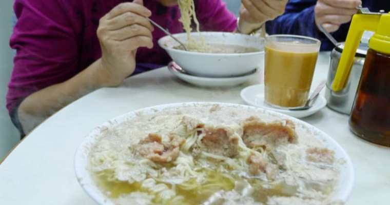 Wai Kee Noodle Cafe Hong Kong | Sham Shui Po Pig Liver Noodles 維記咖啡粉麵