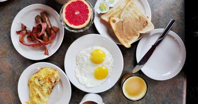 The Lakeside Cafe at Harrison Hot Springs Resort and Spa   Breakfast Buffet