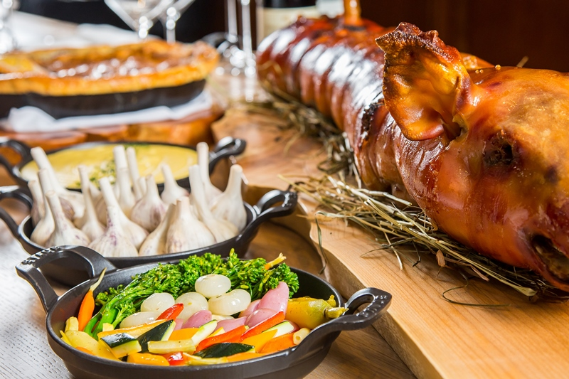 BOULEVARD KITCHEN & OYSTER BAR GOES WHOLE HOG WITH LAUNCH OF NEW SUNDAY PIG ROAST SERIES THIS FALL Press Release Instanomss Nomss Lifestyle Blog Canada