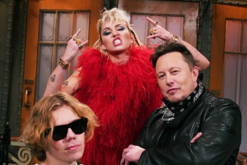SNL Nerds – Episode 136 – Elon Musk and Miley Cyrus