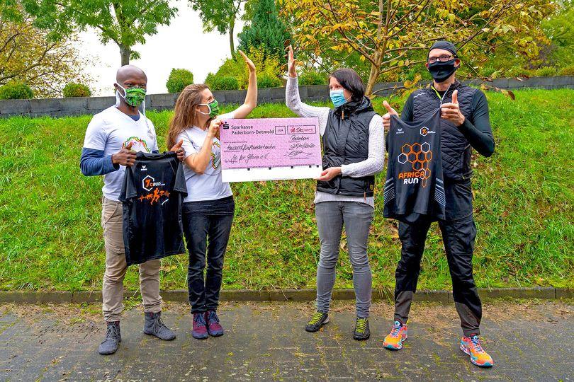 """Westfalen-Blatt-Artikel: Ein Erste-Hilfe-Raum für die """"Farm of hope"""""""