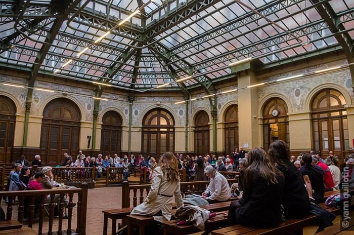 Salle de la Bourse du Travail, 150 personnes présentes
