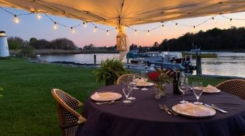 outdoor dining in kennebunkport
