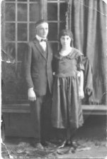 Katie Carrie and Jessie Burrell Leatherwood 1922