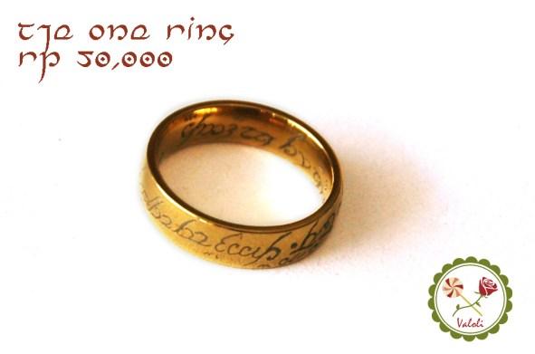 One ring to rule them all bahan titanium. Tersedia dalam ukuran 16, 17, 18, 19