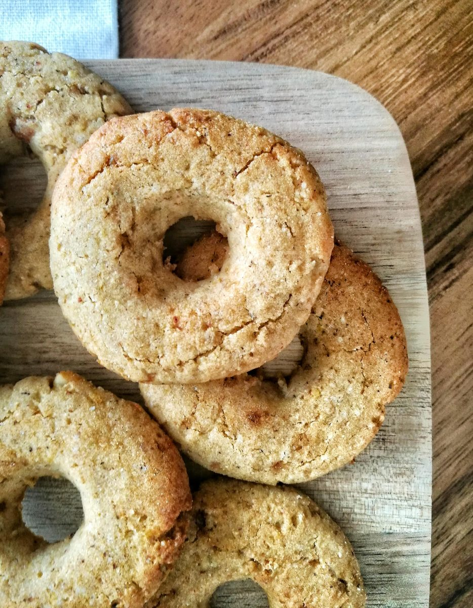 Ciambelline di grano saraceno, riso integrale e mandorle - Non Chiamatela Dieta