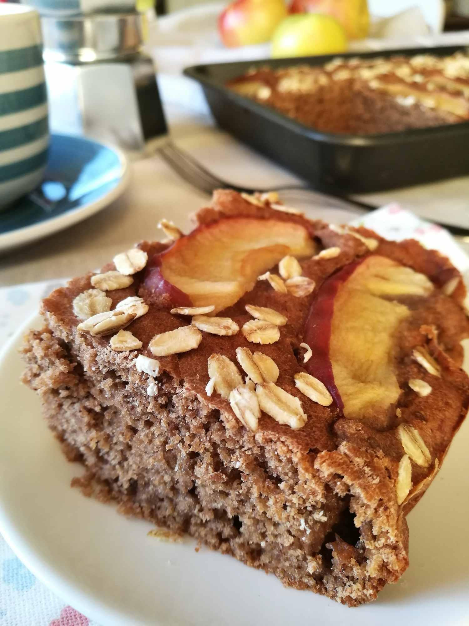 Torta di mele, carruba e nocciole - Non Chiamatela Dieta