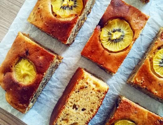 Soffice torta di kiwi gialli frullati - Non Chiamatela Dieta