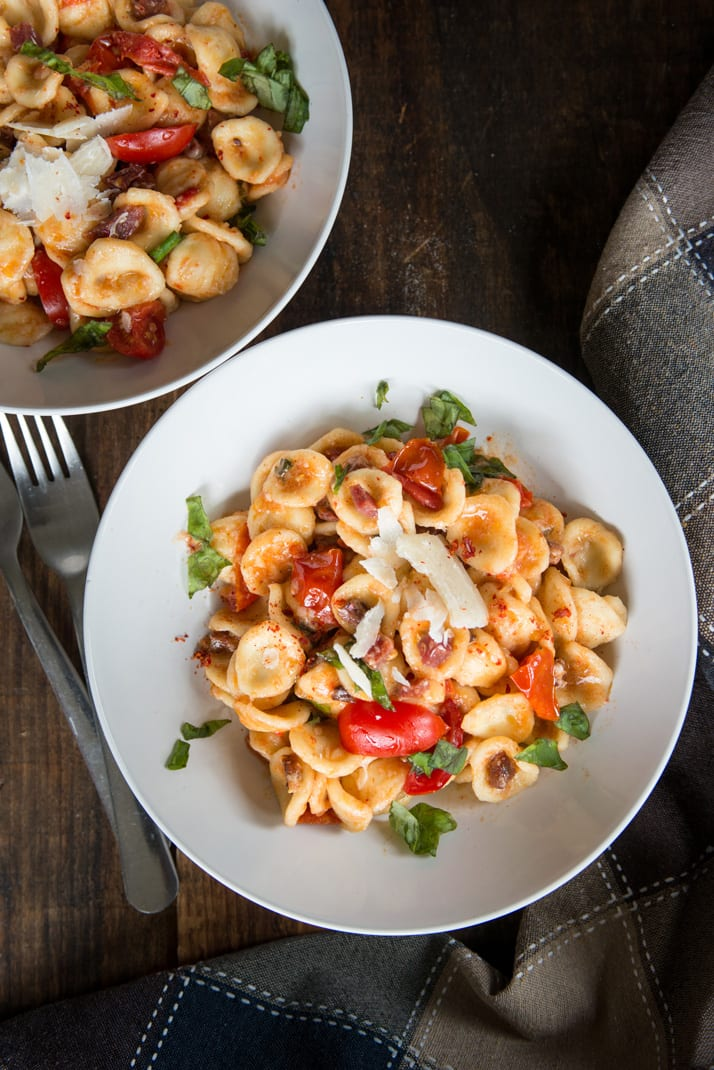 summer-pasta-recipe-with-tomato-and-cured-sausage