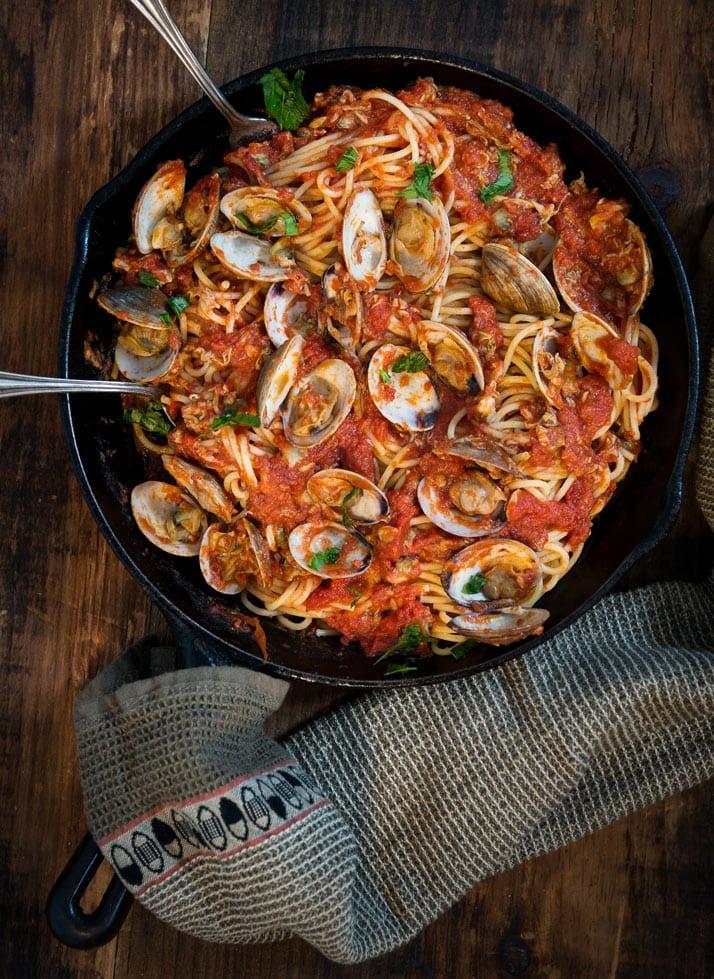 italian recipe for pasta with clam tomato sauce