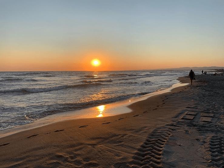 Ostia, proposta per spiagge con app e braccialetto sonoro