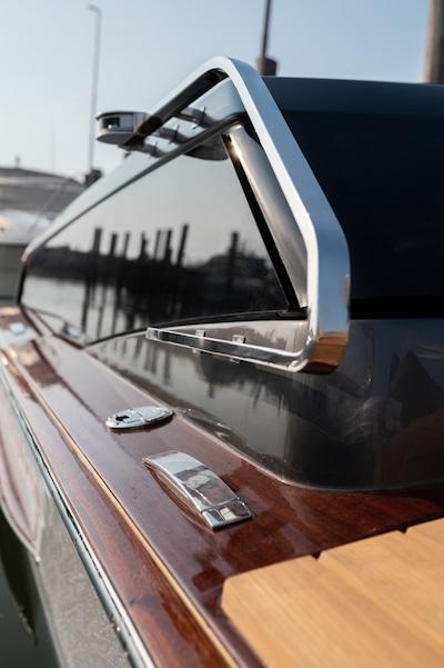 Il taxi acqueo veneziano ibrido per una navigazione sostenibile