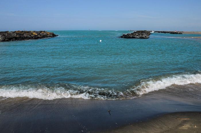 Fiumicino, ok allo sport in spiaggia da lunedì ma per ora niente tintarella