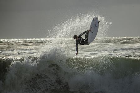 Giornata Internazionale del Surf, i luoghi d'Irlanda per cavalcare le onde