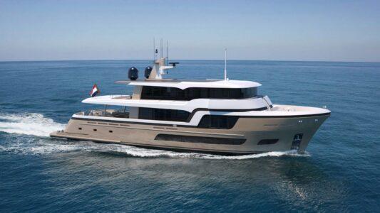 Il nuovo yacht 34 metri di Van der Valk, progettato e costruito su misura