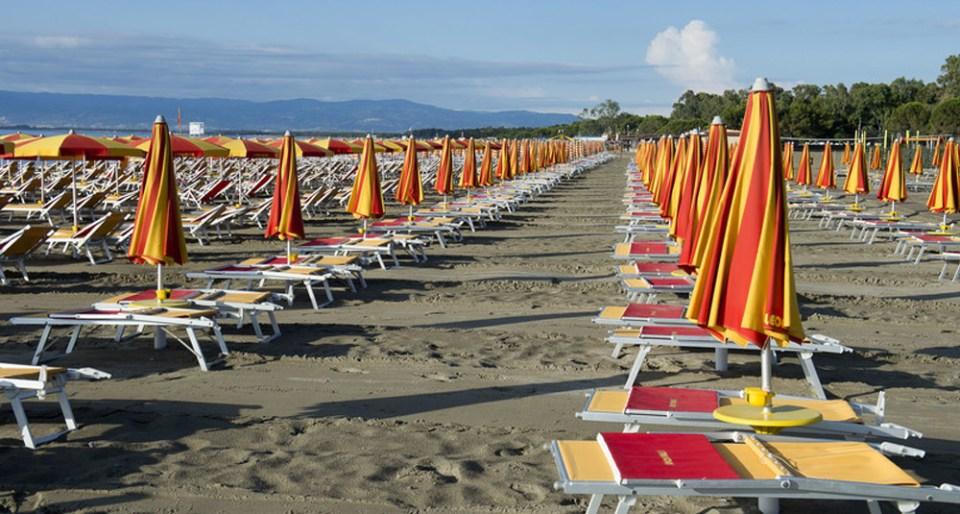 Italiani al Mare, crollo delle presenze anche a luglio: bene solo nei weekend