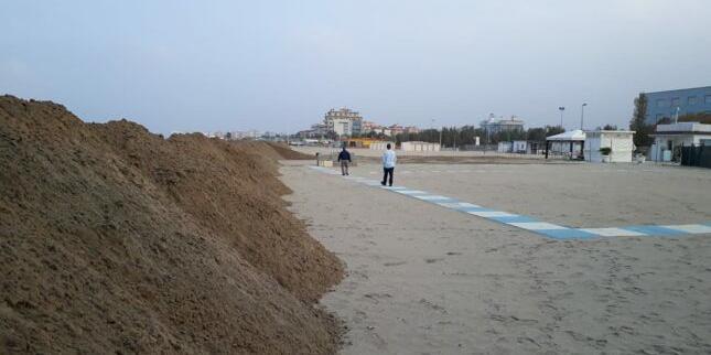 Al via la costruzione delle dune a Riccione per proteggere la spiaggia