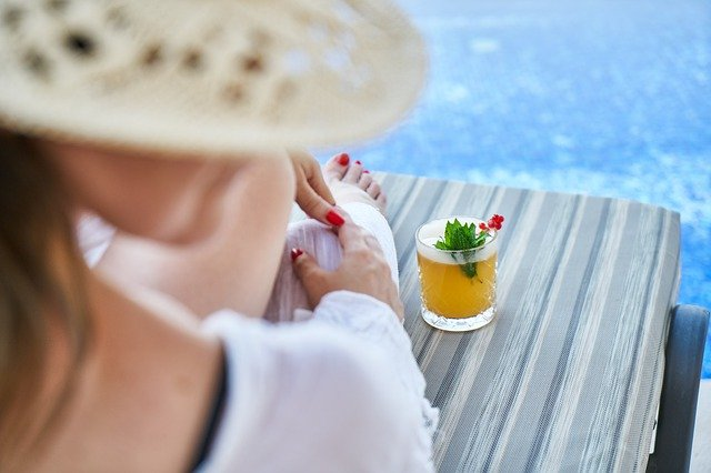 5 classici cocktail che non possono mancare per una giornata in spiaggia