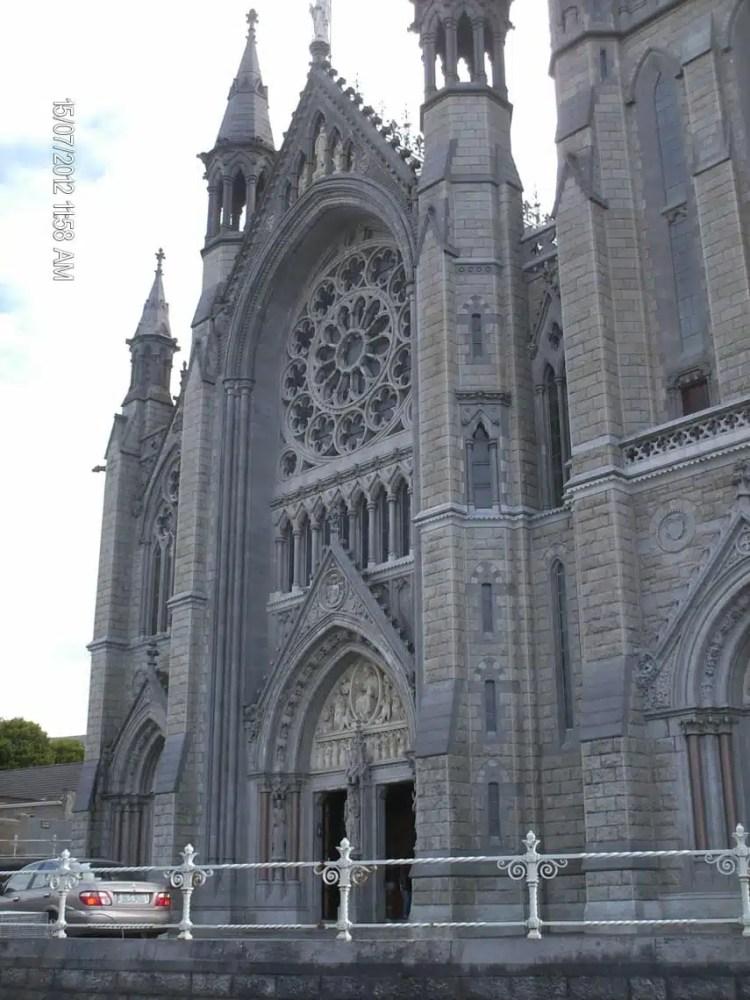 la chiesa di bray in irlanda
