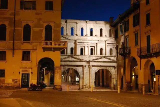 Porta Borsari - Verona, Italia