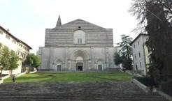 La Chiesa di San Fortunato, dove è custodita la statua di Jacopone da Todi.