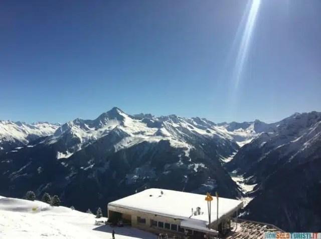 Un bellissimo panorama di Tux, in Austria (foto di Marco Allegri)