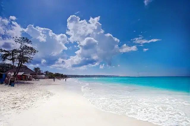 Seven Mile Beach a Negril in Giamaica (foto di Christopher Schoenbohm)