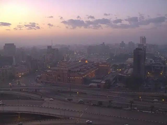 Il Museo Egizio del Cairo all'alba (foto di Dan Lundberg)