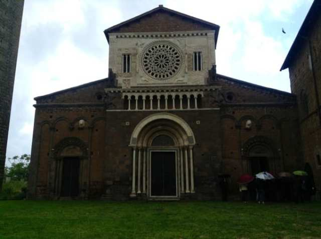 basilica-di-san-pietro-tuscania