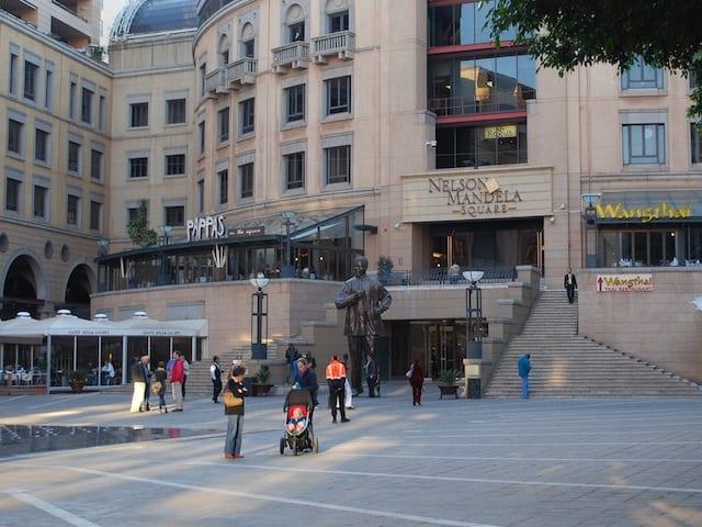 Nelson Mandela Square - Johannesburg, Sudafrica