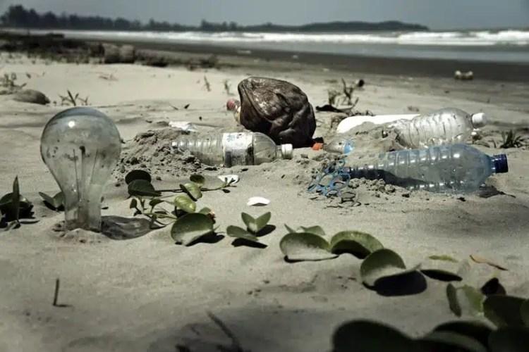 Spiaggia inquinata - Malesia